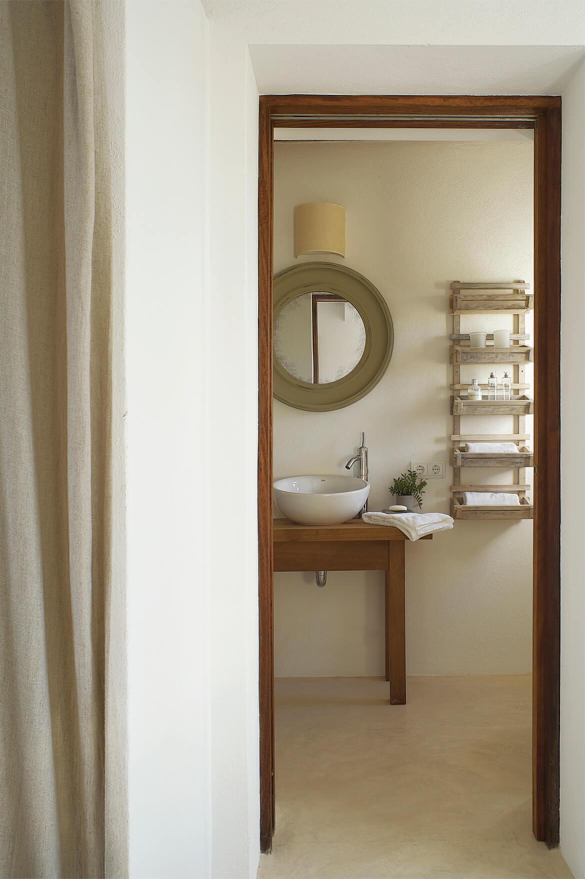 Catalina House-interiorismo Casa Es Cap Daisi. Detalle Baño