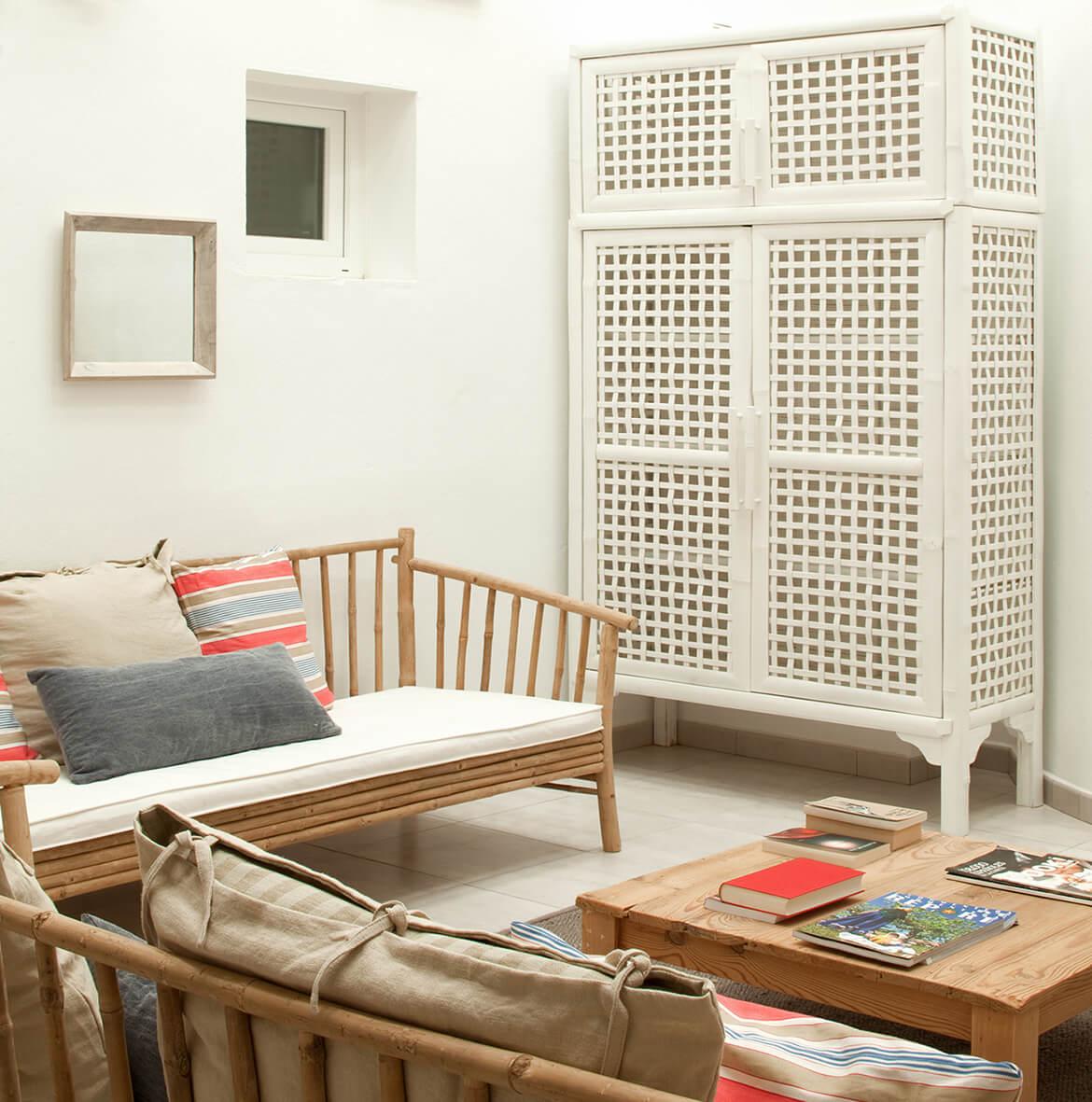 salón proyecto de interiorísmo Catalina House para apartamento de playa