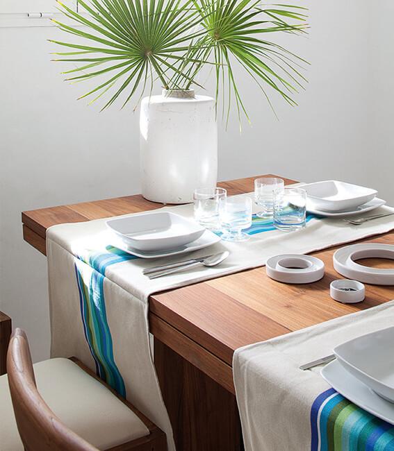 Catalina House proyecto de interiorísmo Casa Punta Prima Grau. Detalle mesa comedor
