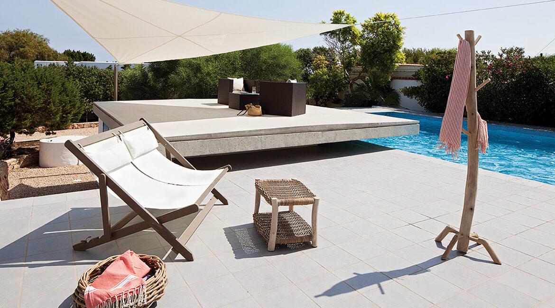 Catalina House proyecto de interiorísmo Casa Punta Prima Grau. Muebles jardín