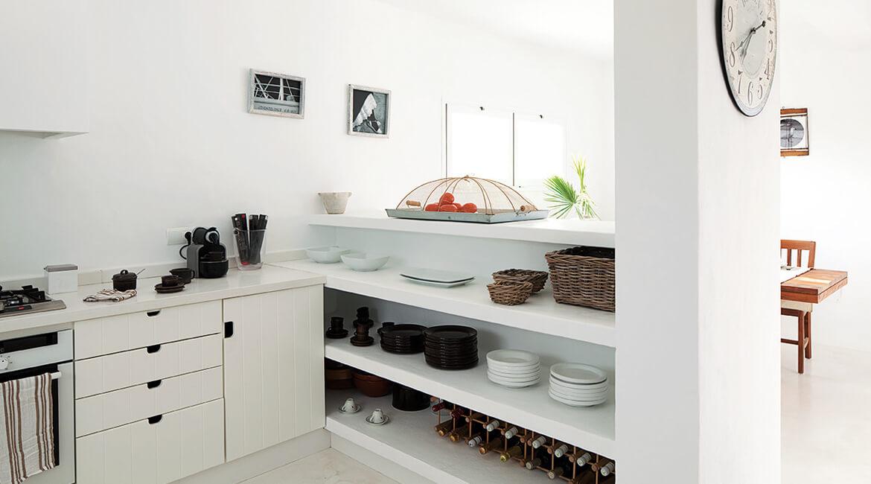 Catalina House proyecto de interiorísmo Casa Punta Prima Grau. Cocina abierta
