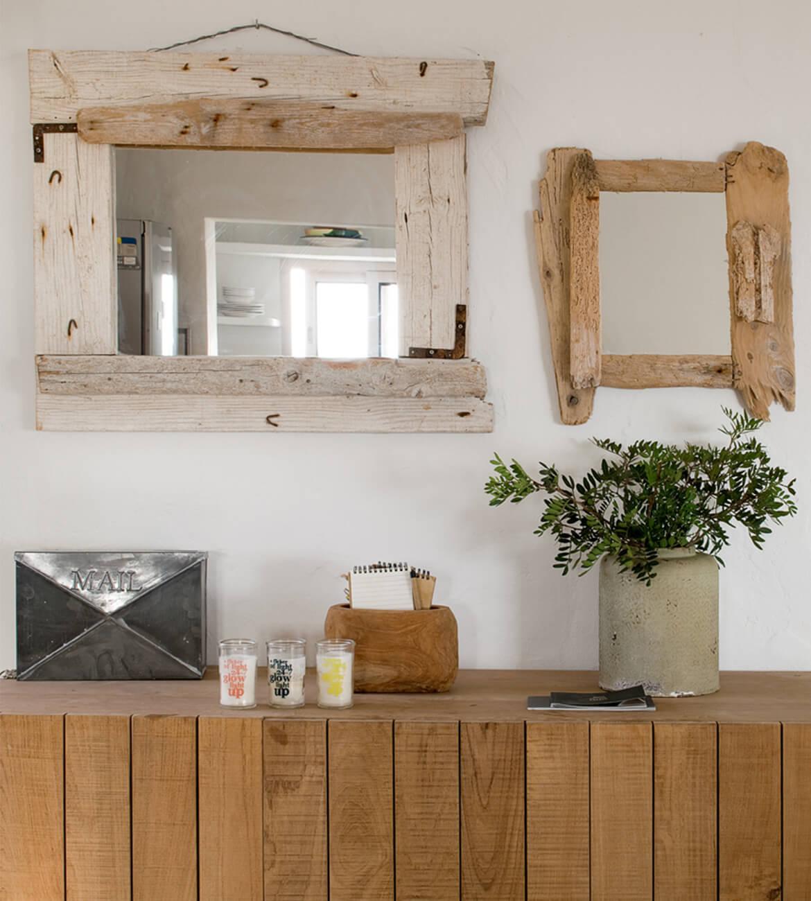 aparador interiorísmo decoración espejos Casa La Mola Ruco