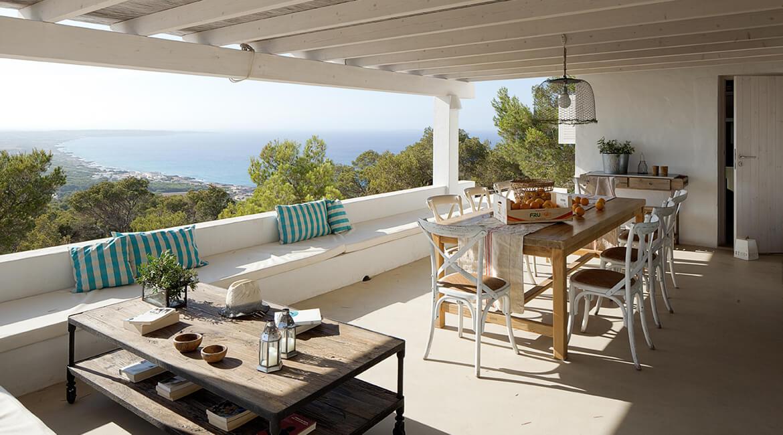 zona porche interiorísmo casa la mola estilo mediterráneo
