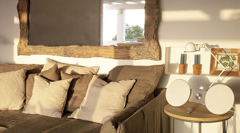 salón sofá proyecto interiorísmo Casa La Mola Ruco
